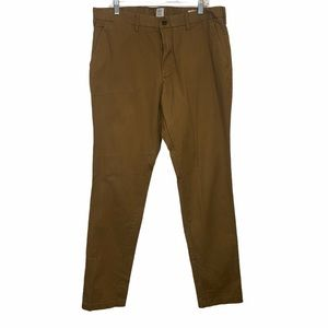 Gap For Good Athletic Chinos Brown size 36x36